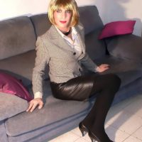Office leather skirt look